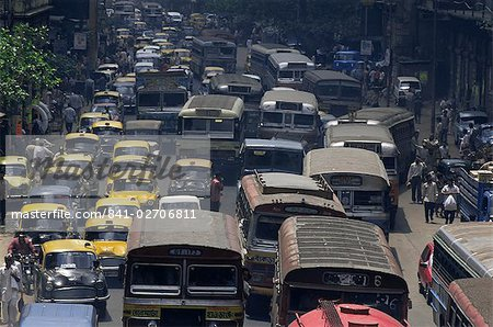 Traffic jam on street on approach to the Howrah Bridge, Kolkata (Calcutta), West Bengal state, India, Asia Stock Photo - Rights-Managed, Image code: 841-02706811