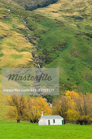 Hut, Matukituki Valley, Wanaka, Central Otago, South Island, New Zealand, Pacific Stock Photo - Rights-Managed, Image code: 841-02719177