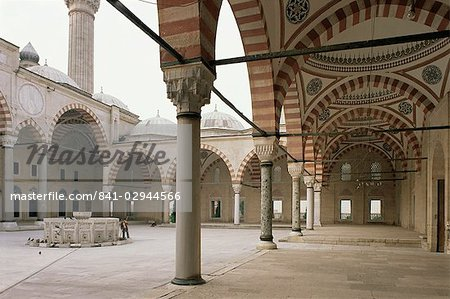 Courtyard, Selimiye Mosque, Edirne, Anatolia, Turkey, Eurasia