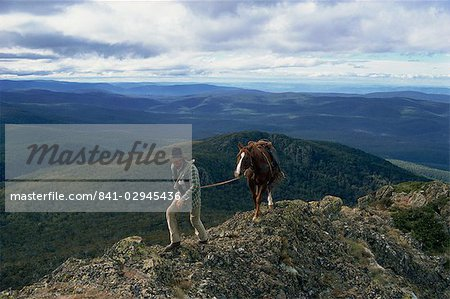 The man from Snowy Mountains and his horse, Australia, Pacific Stock Photo - Rights-Managed, Image code: 841-02945436