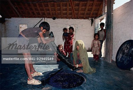 Dyeing using vegetable dyes, Bagru village, near Jaipur, Rajasthan state, India, Asia