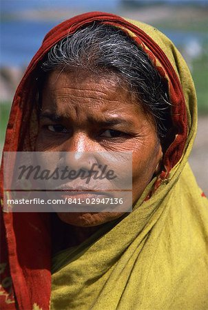 Portraits of a woman from a slum, Dhaka, Bangladesh, Asia Stock Photo - Rights-Managed, Image code: 841-02947136