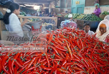Pile of chillies for sale, Panean market, Chinese quarter, Surabaya, island of Java, Indonesia, Southeast Asia, Asia Stock Photo - Rights-Managed, Image code: 841-03033826