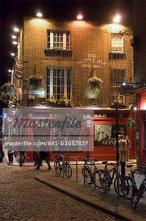 The Temple Bar pub, Temple Bar, Dublin, County Dublin, Republic of Ireland (Eire), Europe
