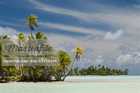 Blue Lagoon, Rangiroa, Tuamotu Archipelago, French Polynesia, Pacific Islands, Pacific Stock Photo - Rights-Managed, Image code: 841-03058294