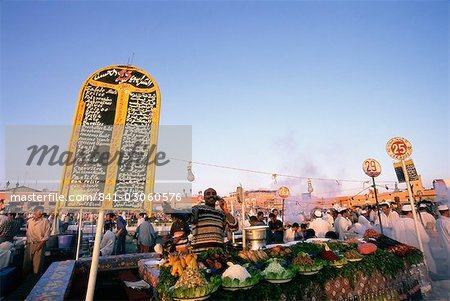 Food stalls, Place Jemaa El Fna (Djemaa El Fna), Marrakesh (Marrakech), Morocco, North Africa, Africa