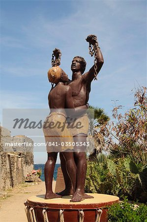 Statue des esclaves, statue commemorationg the freeing of the slaves, the chains are broken, Goree Island, near Dakar, Senegal, West Africa, Africa