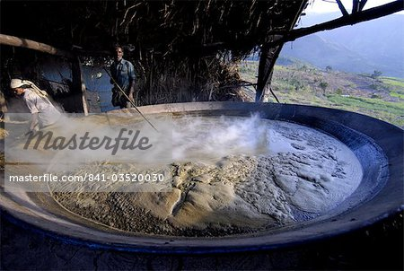 Making jaggery from sugar cane juice, Koviloor, near Munnar, Kerala, India, Asia Stock Photo - Rights-Managed, Image code: 841-03520030