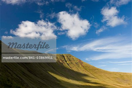Steep sloping sides of Cribyn in the Brecon Beacons mountains, Brecon Beacons National Park, Powys, Wales, United Kingdom, Europe
