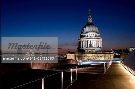 A view of the London skyline and St. Paul's Cathedral from the roof terrace at One New Change, London, England, United Kingdom, Europe Stock Photo - Rights-Managed, Image code: 841-05781083