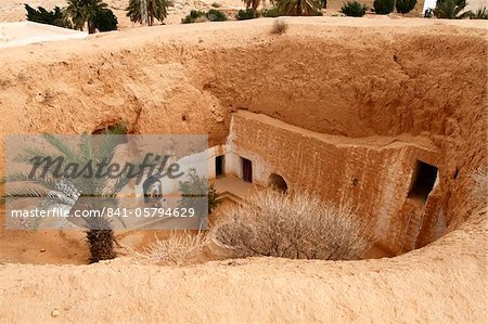 Troglodyte pit home, Berber underground dwellings, Matmata, Tunisia, North Africa, Africa Stock Photo - Rights-Managed, Image code: 841-05794629