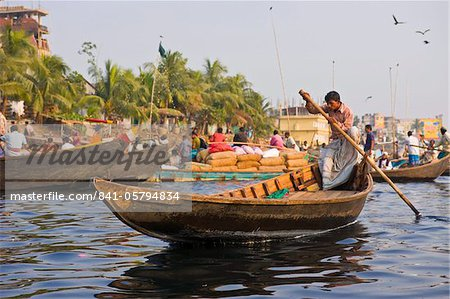 Rowing boats in the busy harbour of Dhaka, Bangladesh, Asia Stock Photo - Rights-Managed, Image code: 841-05794834