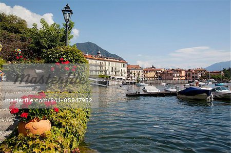 Town and lakeside, Menaggio, Lake Como, Lombardy, Italian Lakes, Italy, Europe Stock Photo - Rights-Managed, Image code: 841-05847952