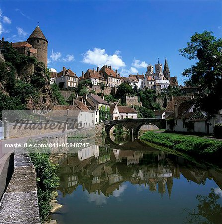 View of town on Armancon River, Semur en Auxois, Burgundy, France, Europe Stock Photo - Rights-Managed, Image code: 841-05848747