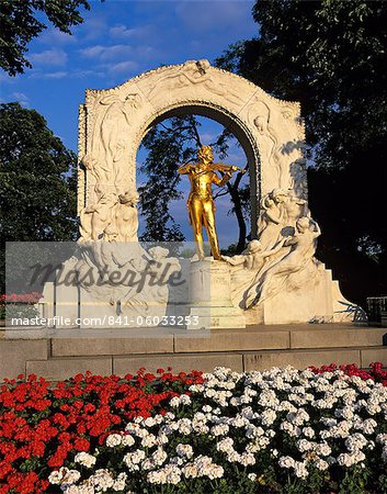 Statue of Johann Strauss, Stadtpark, Vienna, Austria, Europe Stock Photo - Rights-Managed, Image code: 841-06033253