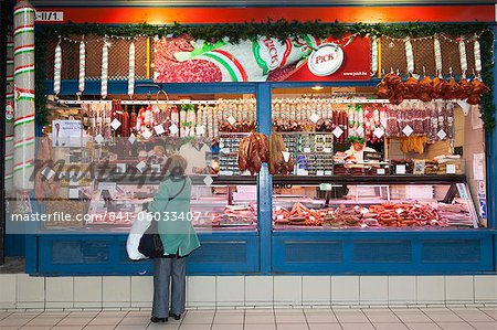 Chorizo and sausage stall, Central Market (Kozponti Vasarcsarnok), Budapest, Hungary, Europe Stock Photo - Rights-Managed, Image code: 841-06033407