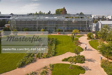 The huge greenhouse in the Jardins Botanique (Botanical Gardens), Tours, Indre et Loire, Centre, France, Europe Stock Photo - Rights-Managed, Image code: 841-06034287