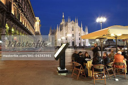 Restaurant in Piazza Duomo at dusk, Milan, Lombardy, Italy, Europe Stock Photo - Rights-Managed, Image code: 841-06343981