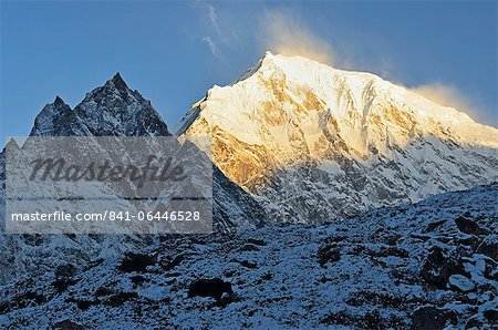 Yak and Langtang Lirung at sunrise, Langtang National Park, Bagmati, Central Region (Madhyamanchal), Nepal, Himalayas, Asia Stock Photo - Rights-Managed, Image code: 841-06446528