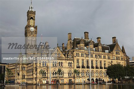 Bradford City Hall, a Venetian Gothic facade, on an overcast day, Bradford, West Yorkshire, Yorkshire, England, United Kingdom, Europe Stock Photo - Rights-Managed, Image code: 841-06448465