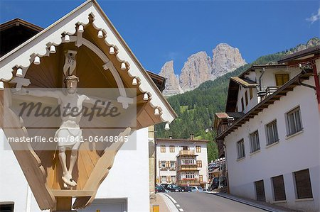 Religious cross, Ciampedel, Fassa Valley, Trento Province, Trentino-Alto Adige/South Tyrol, Italian Dolomites, Italy, Europe Stock Photo - Rights-Managed, Image code: 841-06448845