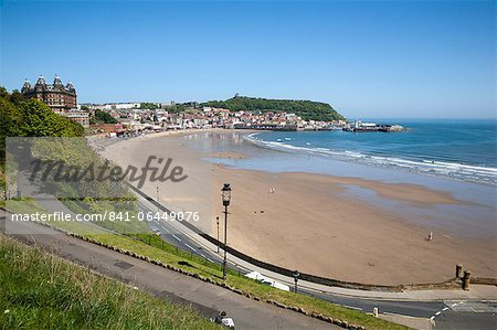 South Sands from the Cliff Top, Scarborough, North Yorkshire, Yorkshire, England, United Kingdom, Europe Stock Photo - Rights-Managed, Image code: 841-06449076