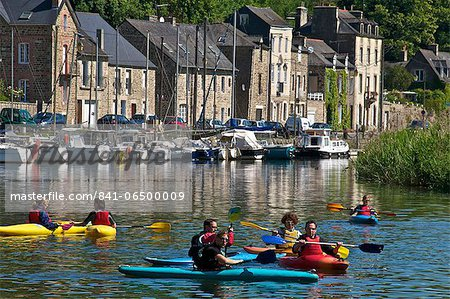 Canoe kayaks on River Rance, Dinan, Brittany, France, Europe Stock Photo - Rights-Managed, Image code: 841-06500009