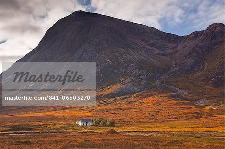 Lagangarbh cottage below Stob Dearg in Glen Coe, Scotland, United Kingdom, Europe Stock Photo - Rights-Managed, Image code: 841-06503270