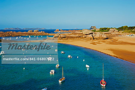 Beach of Tregastel, Cote de Granit Rose, Cotes d'Armor, Brittany, France, Europe Stock Photo - Rights-Managed, Image code: 841-06807622
