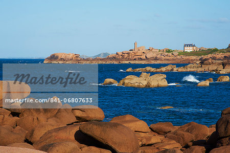 Pointe de Squewel and Mean Ruz Lighthouse, Men Ruz, littoral house, Ploumanach, Cote de Granit Rose, Cotes d'Armor, Brittany, France, Europe Stock Photo - Rights-Managed, Image code: 841-06807633