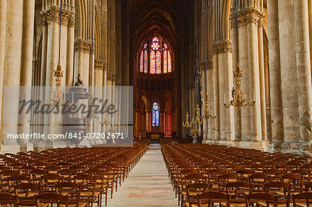 The gothic nave of Notre Dame de Reims cathedral, UNESCO World Heritage Site, Reims, Champagne-Ardenne, France, Europe Stock Photo - Rights-Managed, Image code: 841-07202671