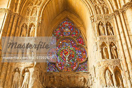High relief sculptures inside Notre Dame de Reims cathedral, UNESCO World Heritage Site, Reims, Champagne-Ardenne, France, Europe Stock Photo - Rights-Managed, Image code: 841-07202672