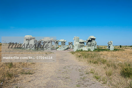 Carhenge, a replica of England's Stonehenge, made out of cars near Alliance, Nebraska, United States of America, North America Stock Photo - Rights-Managed, Image code: 841-07206114