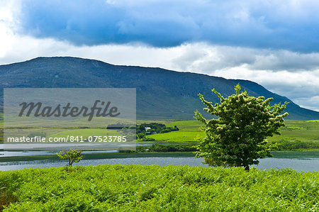 Farm at the foot of the Maamturk mountains near Maam, Connemara, County Galway, Ireland Stock Photo - Rights-Managed, Image code: 841-07523785