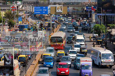 Traffic congestion on downtown highway to Bandra, Andheri and Santacruz and access route to the BKC Complex in Mumbai, India Stock Photo - Rights-Managed, Image code: 841-07540475