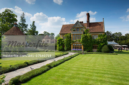 Le Manoir Aux Quat' Saisons luxury hotel founded by Raymond Blanc at Great Milton in Oxfordshire, UK Stock Photo - Rights-Managed, Image code: 841-07540719