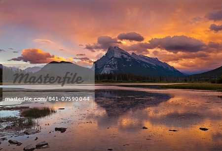 Mount Rundle rising above Vermillion Lakes drive at sunset, Banff National Park, UNESCO World Heritage Site, Alberta, Canadian Rockies, Canada, North America Stock Photo - Rights-Managed, Image code: 841-07590044