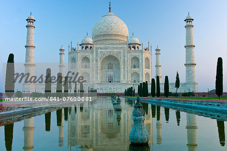 The Taj Mahal mausoleum southern view with reflecting pool and cypress trees, Uttar Pradesh, India Stock Photo - Rights-Managed, Image code: 841-07600081