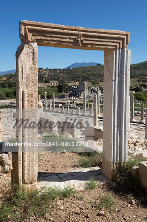 Ruined colonnaded Main Street, Patara, near Kalkan, Lycia, Antalya Province, Mediterranean Coast, Southwest Turkey, Anatolia, Turkey, Asia Minor, Eurasia Stock Photo - Rights-Managed, Image code: 841-08102219