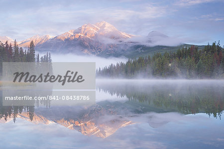 Mist shrouded Pyramid Lake at dawn in the Canadian Rockies, Jasper National Park, UNESCO World Heritage Site, Alberta, Canada, North America Stock Photo - Rights-Managed, Image code: 841-08438786