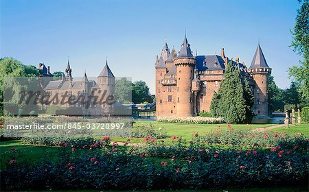 Utrecht, Haarzuilens, De Haar castle, built in 1900 by architect P.H.J.Kuijpers Stock Photo - Rights-Managed, Image code: 845-03720997