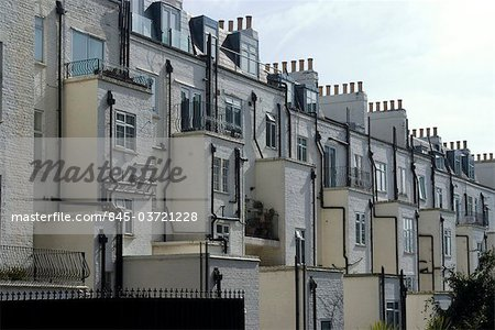 Back of terrace houses and chimneys, Wells Rise, near Primrose Hill, London, NW1, England Stock Photo - Rights-Managed, Image code: 845-03721228