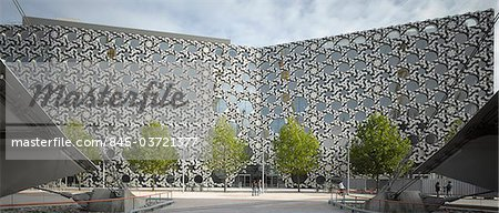 Ravensbourne College, Peninsula Square, Greenwich Peninsula, Bromley, London. Ceramic facade. Architects: Foreign Office Architects Stock Photo - Rights-Managed, Image code: 845-03721377