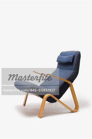Grasshopper Lounge Chair, Finnish, 1946, manufactured by Knoll. Designer: Eero Saarinen Stock Photo - Rights-Managed, Image code: 845-05837817