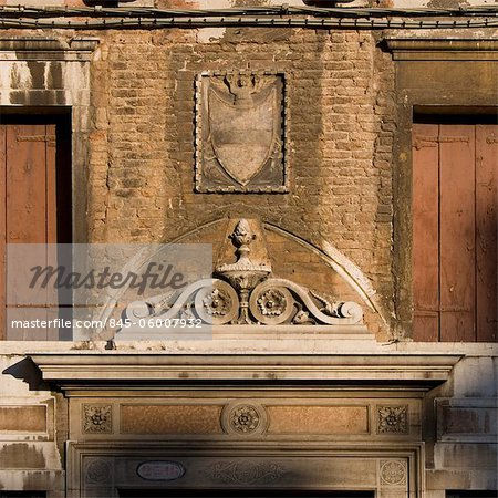 Heraldic crest above Venice doorway. Stock Photo - Rights-Managed, Image code: 845-06007932