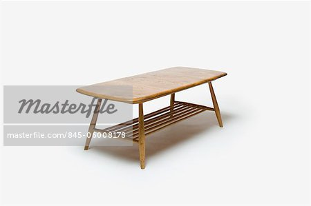 Coffee Table (Model 662), 1960s, manufactured by Ercol. Designer: Lucien Ercolani Stock Photo - Rights-Managed, Image code: 845-06008178