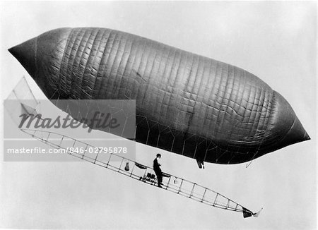 1900s 1910s LINCOLN BEACHEY AIRSHIP CROSS BETWEEN HOT AIR BALLOON AND BLIMP Stock Photo - Rights-Managed, Image code: 846-02795878