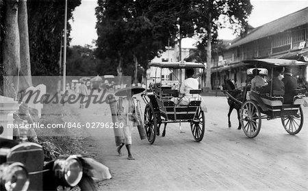 1920s 1930s BATAVIA JAKARTA JAVA INDONESIA STREET SCENE HORSE CARTS