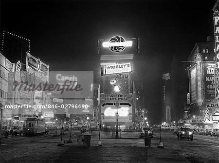 1935 NYC TIMES SQUARE LIGHTED AT NIGHT BROADWAY'S GREAT WHITE WAY Stock Photo - Rights-Managed, Image code: 846-02796480