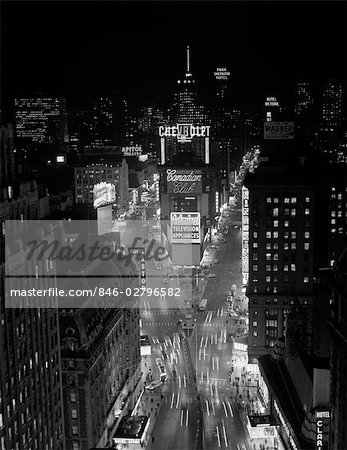 1950s 1960s NIGHT AERIAL VIEW TIMES SQUARE FROM TIMES BUILDING LOOKING NORTH MANHATTAN Stock Photo - Rights-Managed, Image code: 846-02796582